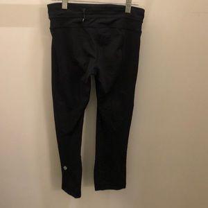 lululemon athletica Pants - Lululemon black crop legging, sz 6, 71699